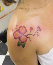 Tatouage epaule femme 5